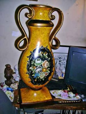 Extraordinaria anfora porcelana italiana dibujo central flor