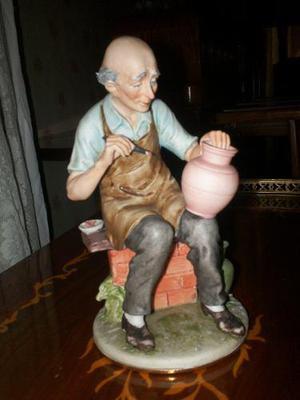 Porcelana capodimonte italiana original. nueva