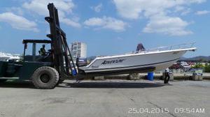 Puesto lancha vertical 35 pies en marina cavafa, carenero