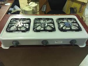 Cocina pionera de 3 hornillas a gas