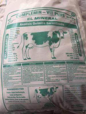 Alimento minerales doble proposito para animales