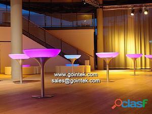 sillas led y mesas para bares