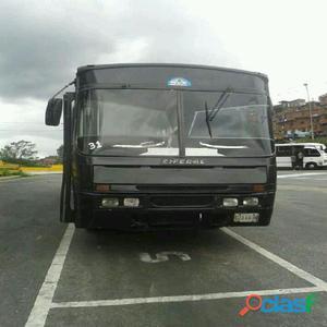 Autobus encava ciferal