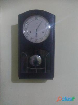 Reloj alemán de péndulo