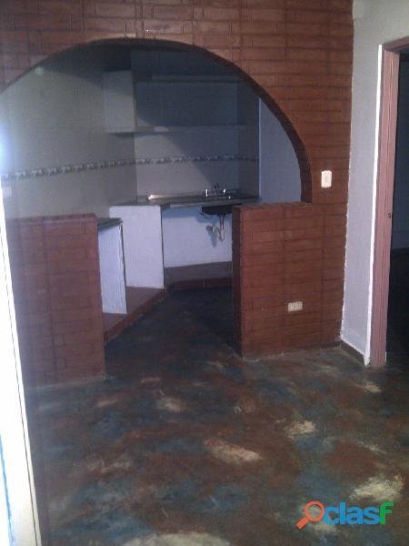 Apartamento tipo estudio con un área de 45 m2, km. 12 el junquito, urb. luis hurtado.