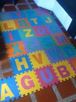 Alfombra foami para bebes. 30x30 trae 26 piezas abecedario