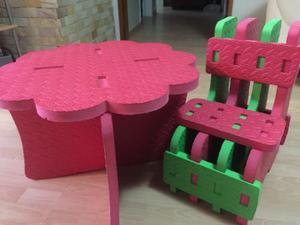 Mesa y silla para niños foami