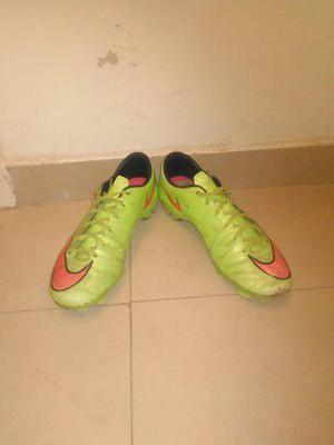 Zapatos tacos de fútbol campo nike originales (remate)