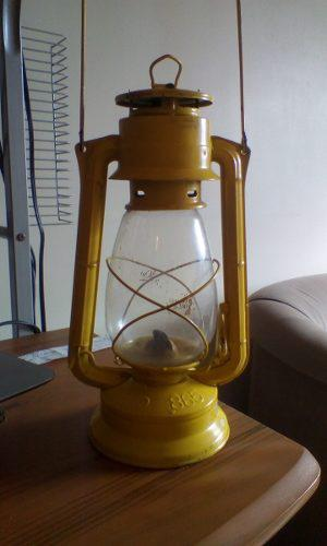 LAMPARA DE KEROSENE OIL ANTIGUA MARCA MEVA 865 LEA BIEN segunda mano  Guarenas (Miranda)