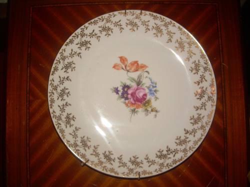 Plato de porcelana marca epiag made in czechoslovakia con di