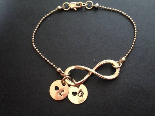Pulsera infinito dorada mamá personalizada cadena
