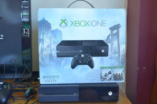 Xbox one slim 500 gb dos controles caja original