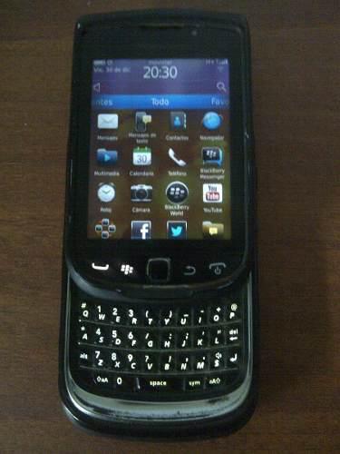Blackberry torch 9800 liberado con 2 forros y batería nueva