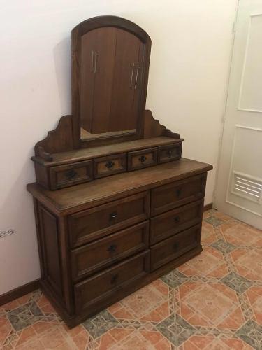 Peinadora de madera