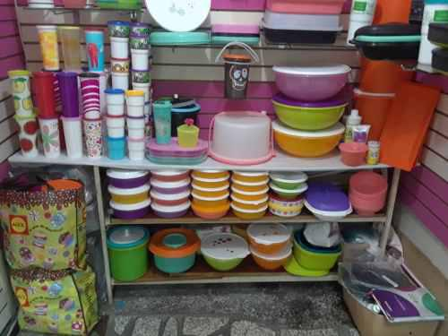 Productos tupperware en el centro