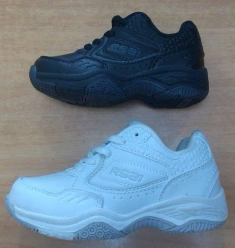 Zapatos colegiales deportivos marca rs21.