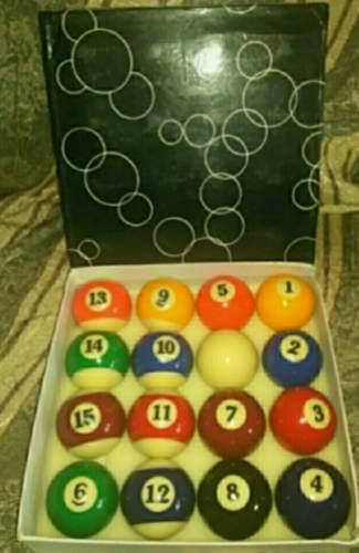 Bolas de pool, tacos, azulillos y repuesto de perilla.