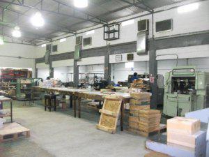 Galpón industrial, con oficinas, 800mts, corriente