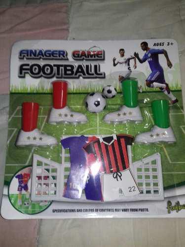 Juguete de mesa futbol con canchas y uniformes