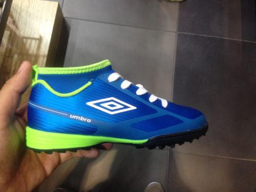 Zapatos futbol sala y semitacos umbro 2019 tallas 29 a 43 b869e9c886b4d