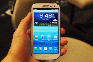 En venta: samsung i9300 galaxy siii / iphone 4s 64gb y bb