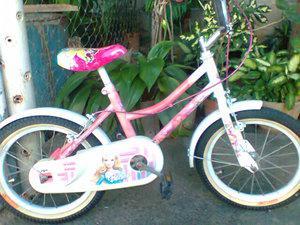 Vendo bicicleta barbie