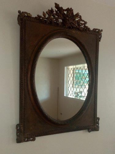 Espejo antiguo con marco en madera con hojillado en oro