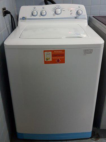 Lavadora automática mabe 15 kg.