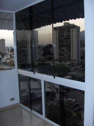 Ventanas panoramicas y puertas corredizas en vidrio