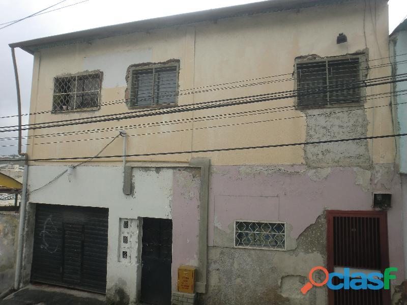 Se vende casa grande con 2 apartamentos tipo estudio – pan de azúcar los teques