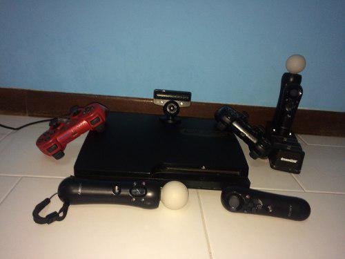 Playstation 3 con controles, juegos y accesorios