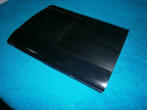 Sony play station 3 super slim con 2 controles