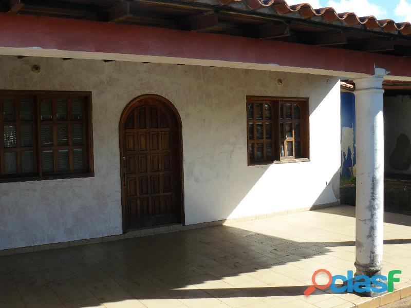 En Venta Casa, 300mts, Urb. La Floresta,