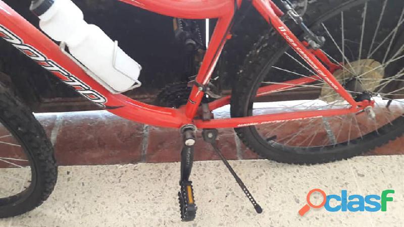 Bicicleta benotto rin 26 + equipo de bicicleta