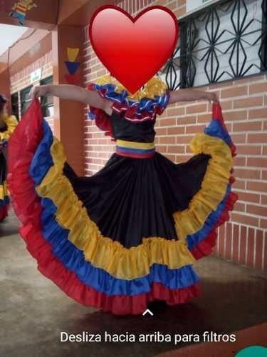 Vestido de danza nacionalista