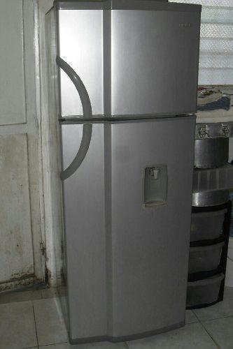 Nevera mabe 15 pies dos puertas sin escarcha con dispensador