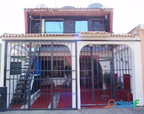 Acogedora Casa en la Urb. La Esmeralda, San Diego