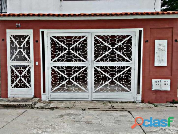 Casa en venta en urbanización garden suite san joaquin
