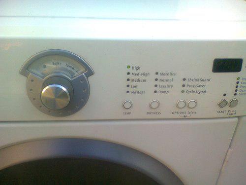 Secadora de ropa frigidaire digital casi nueva 220 voltios