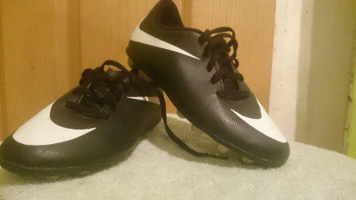 Zapatos para jugar futbol tacos nike modelo cr7 usados 21923f9e8f498