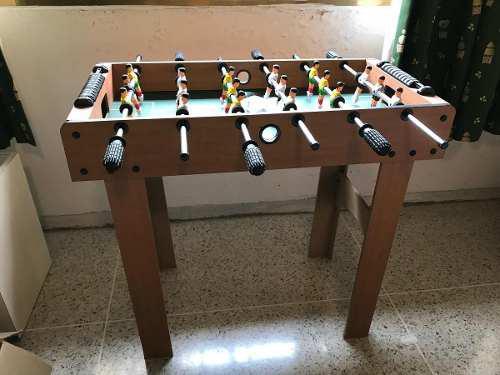 Mesa de futbolito para niños