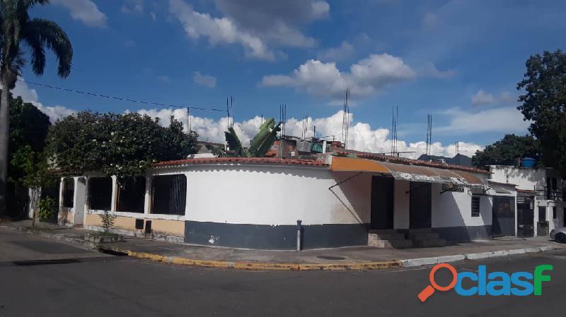 CASA DE ESQUINA EN SAN DIEGO