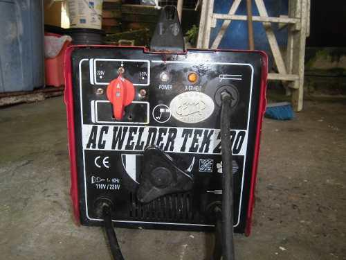Maquina De Soldar Marca Fermetal Ac Welder Tek 200 110/220v