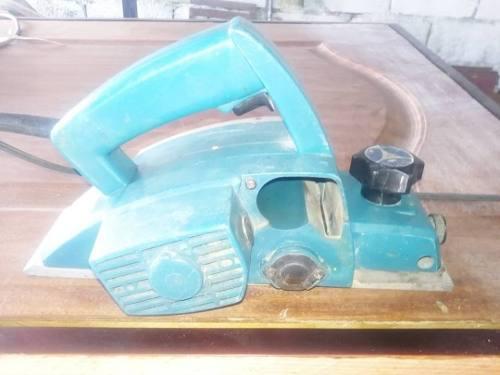 Cepillo electrico de carpinteria usado