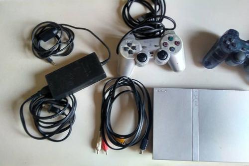 Consola de juegos playstation 2, memorycard 8mb, 2 controles