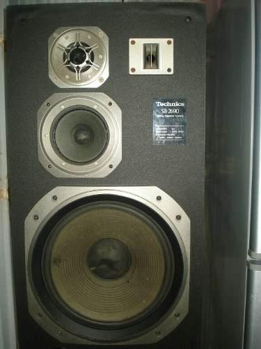 En venta amplificador,ecualizador, y 4 cornetas