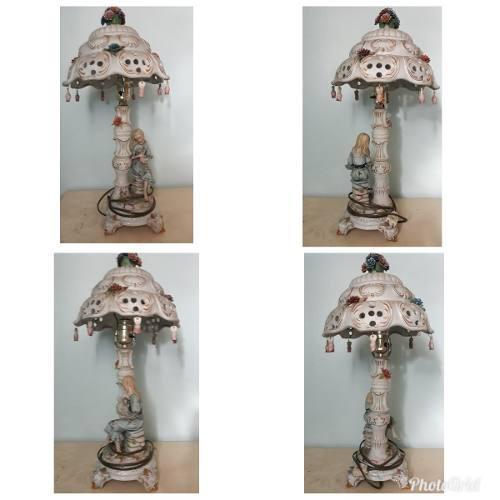 Lámpara de porcelana capodimonte
