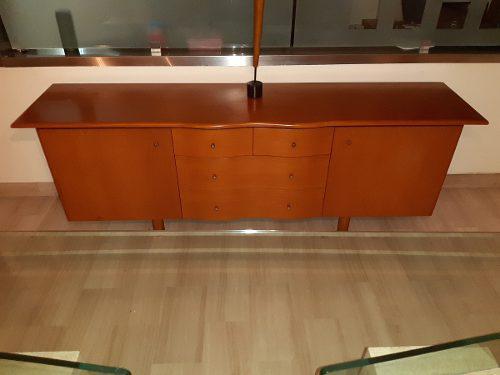 Ceibo de madera elegante y funcional
