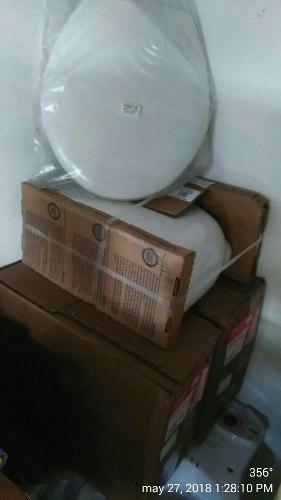 Juego de baño: poceta,lavamanos,herraje y tapas nuevos