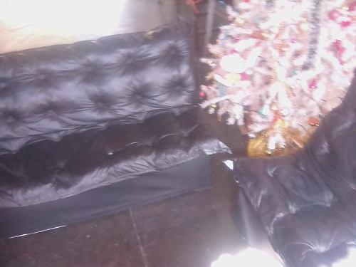 Juego de muebles para sala tres piezas semicuero negro 130tr